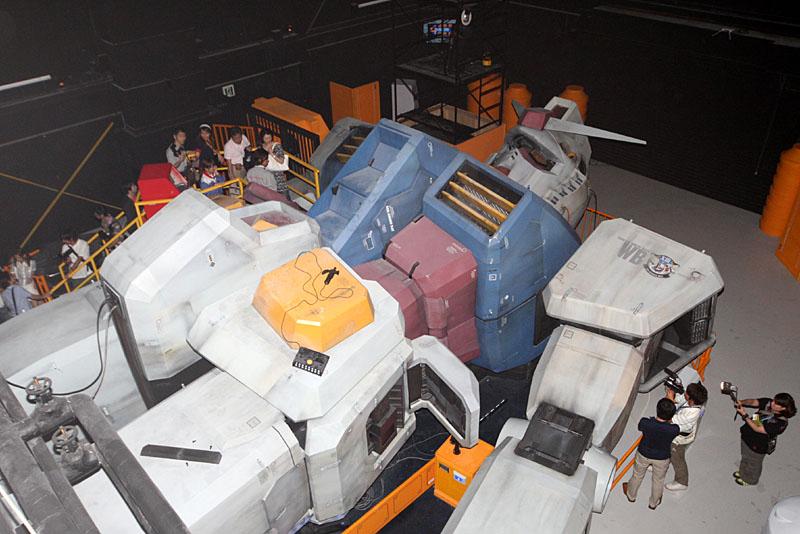 LO AVETE MAI VISTO?...GUNDAM IL MITICO Gundam_250j7851